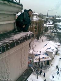 Монтаж гирлянд на фасаде банка (Пожарная площадь)